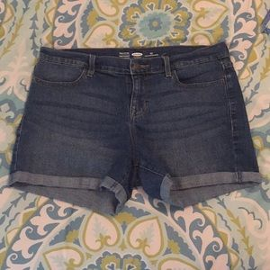 Old Navy Semi-Fitted Jean Shorts Size 10